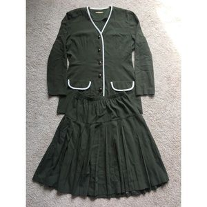 Vintage Matching Green Skirt and Blazer Suit Set